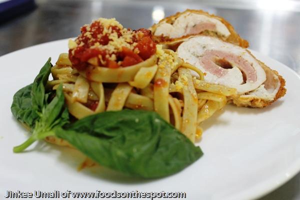 Fettuccine w/ Garlic-Basil-Tomato